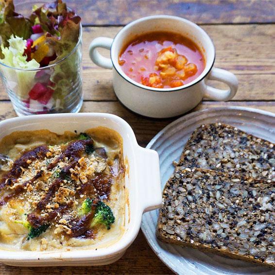 鎌倉のゲストハウス亀時間 カフェ亀時間 グラタンランチ
