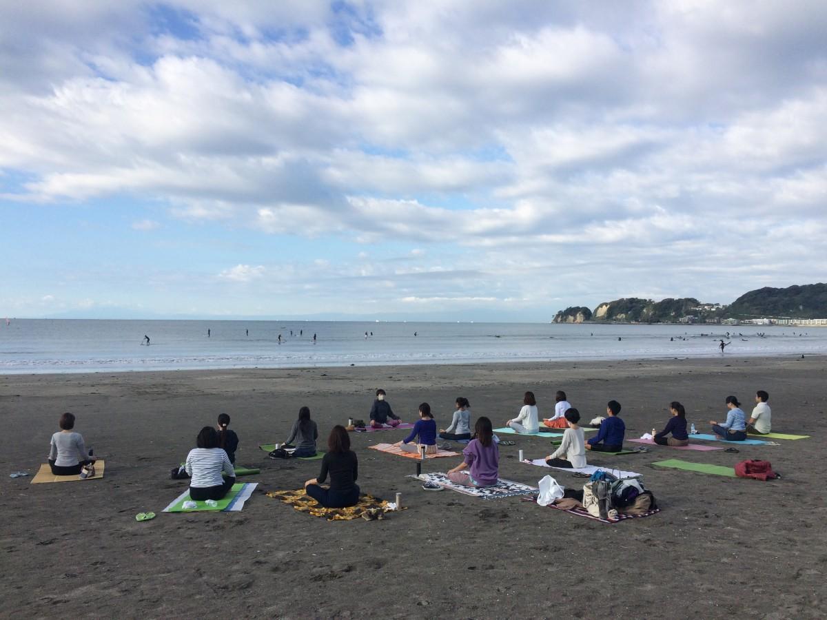 10月24日(日)ビーチヨガ&ビーチクリーン@鎌倉材木座海岸 報告